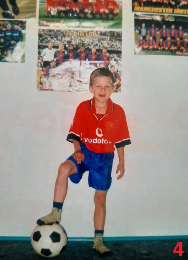Zobaczcie zdjęcia piłkarzy Górnika Zabrze z czasów dzieciństwa Zobacz kolejne zdjęcia. Przesuwaj zdjęcia w prawo - naciśnij strzałkę lub przycisk NASTĘPNE