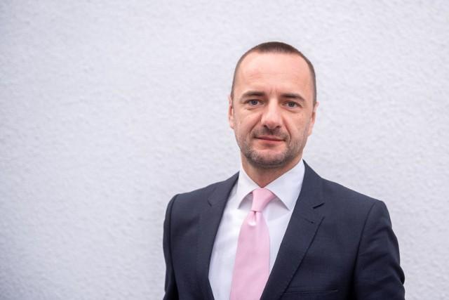 Podczas konferencji prasowej Prawo i Sprawiedliwość przedstawiło kandydatów do Senatu z powiatu poznańskiego i miasta Poznania. W powiecie poznańskim doszło do niespodzianki. Kandydatem wspieranym przez PiS będzie Jarosław Pucek, były kandydat na prezydenta Poznania.