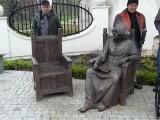 """Pomnik za 100 tys.  przy """"zamku"""""""