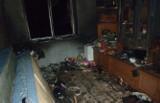 Sandomierz. Pożar w bloku socjalnym i ewakuacja mieszkańców. Trzy osoby straciły dach nad głową (zdjęcia)