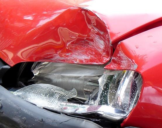 Sopot. Pod wpływem psychotropów i alkoholu uderzyła autem w ścianę