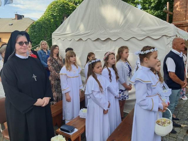 W galerii znajdziecie zdjęcia z procesji w parafii św. Trójcy w Rypinie