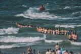 Dzieci porwane przez fale Bałtyku. Mieszkańcy Sulmierzyc w szoku po tragedii rodziny nad morzem