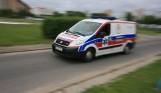 Wypadek w Mądrzechowie w gminie Bytów 13.01.2021 r. Mężczyzna spadł z rusztowania, zabrało go LPR