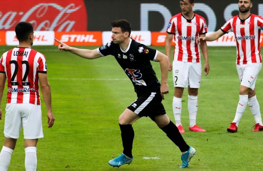 Ivan Runje nadal zmaga się z urazem kolana. Chorwat, a także...