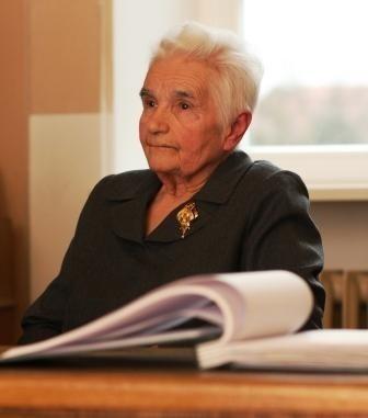 - Ludzie mówili, że trzeba przetrwać, że tak przecież długo nie będzie. Polska się o nas upomni - wspomina Franceska Michalska.