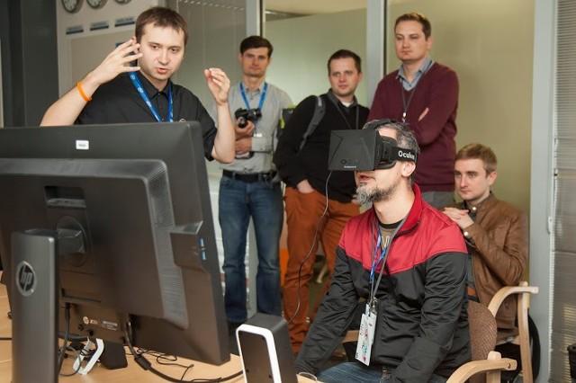 Intel i Blue Media najlepszymi pracodawcamiW gdańskim centrum Intela inżynierowie pracują m.in. nad wirtualną rzeczywistością