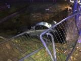"""Pijany kierowca w Bełchatowie """"zaparkował"""" w rzece"""