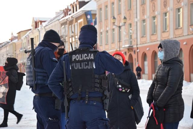 Protest kobiet w Białymstoku. Policja spisywała uczestników manifestacji
