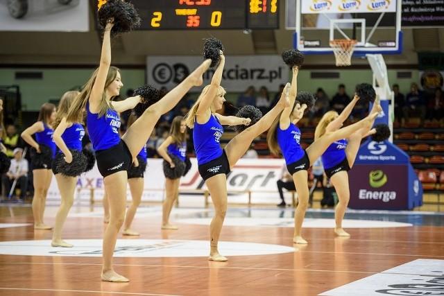 Po trzech porażkach z rzędu koszykarze Miasta Szkła Krosno poczuli smak wygranej. W hali przy Bursaki najpierw wysoko prowadzili z Treflem Sopot, by ostatecznie wygrać po nerwowej końcówce 85:81.