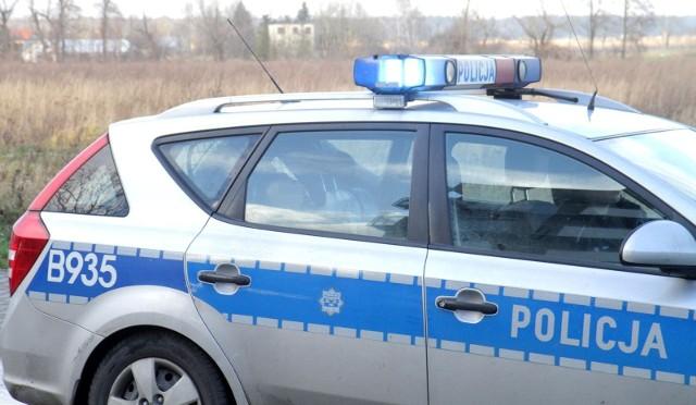 Zdjęcie ilustracyjne/Policjanci z Komendy Powiatowej Policji w Wąbrzeźnie zatrzymali trzech pijanych kierowców oraz kobietę, która miała w kieszeniach narkotyki