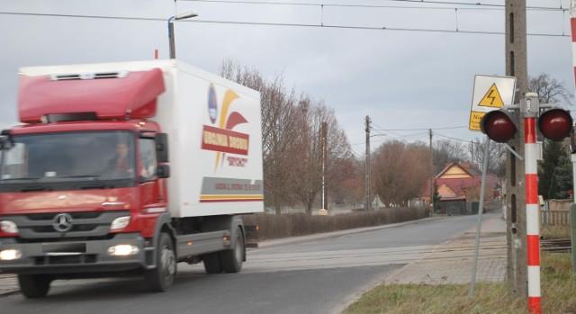 To na tym przejeździe zginął w 2003 roku Stanisław W.