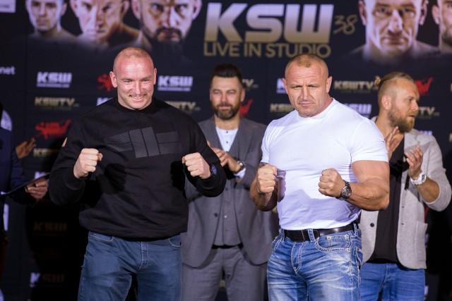 Tyberiusz Kowalczyk (z lewej) i Mariusz Pudzianowski
