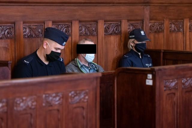 Dwa lata więzienia - taki wyrok usłyszał kryminalista Andrzej C., który groził śmiercią prezydentowi Poznania Jackowi Jaśkowiakowi