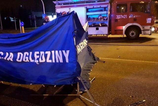 Śmiertelny wypadek na Bartoszewskiego w Łodzi. Trzy osoby zginęły na skrzyżowaniu z Pryncypalną