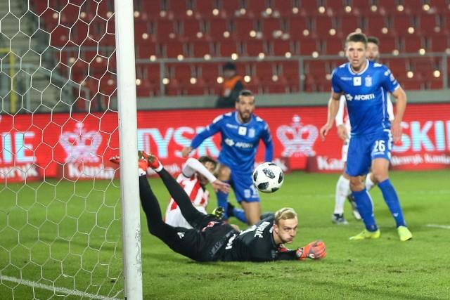 W pierwszym meczu pod wodzą Adama Nawałki Lech przegrał z przedostatnią w tabeli Cracovią.
