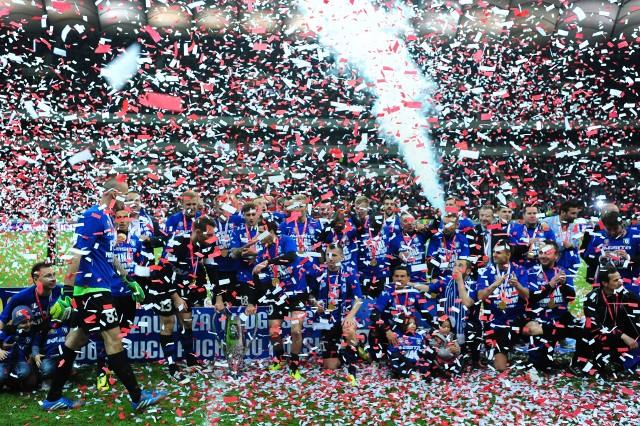 Siedem lat temu Zawisza Bydgoszcz zdobył Puchar PolskiAby zobaczyć zdjęcia z tego wydarzenia prosimy przesuwać palcem po ekranie smartfona lub za pomocą strzałek w komputerze>>>