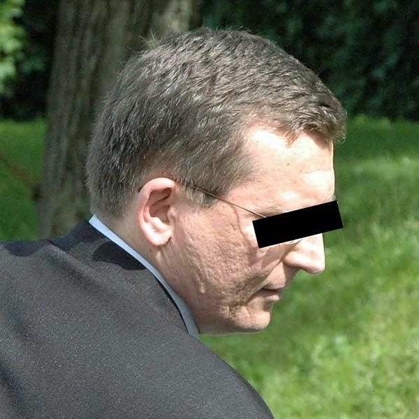 Komornik Wojciech K. nagle zachorował i pojechał do szpitala