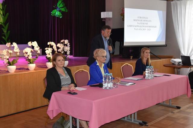 Kilka tygodni temu w Kowalewie zorganizowano forum oświatowe. Teraz burmistrz zaprasza na forum przedsiębiorców