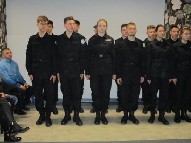 Ślubowanie klas pierwszych Policyjnego Liceum Ogólnokształcącego w Słupsku