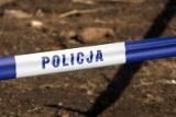 LUBUSKIE Makabryczne odkrycie. Ciało kobiety pływało w stawie koło domu w Gostkowicach. Sprawą zajęła się prokuratura