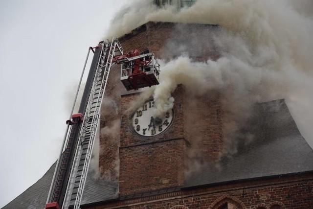 Katedra stanęła w ogniu 1 lipca 2017 r. Wyrok na byłego proboszcza zapadł 22 sierpnia 2019.