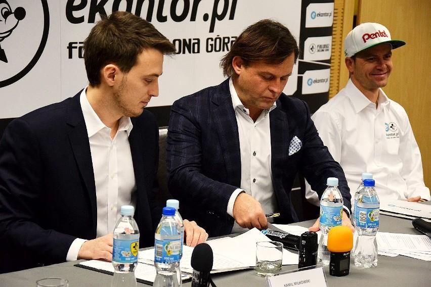 Umowę podpisali Kamil Miłkowski, dyrektor zarządzający Ekantor.pl i Zdzisław Tymczyszyn, prezes zarządu ZKŹ SSA.