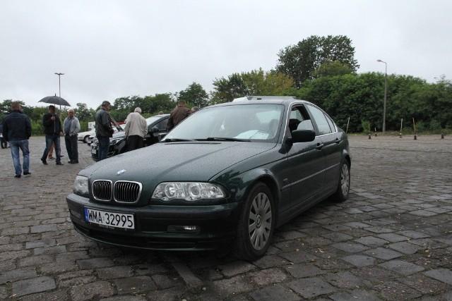 BMW Seria 3, 1998 r., 2,8, ABS, centralny zamek, elektryczne szyby i lusterka, immobiliser, czujnik parkowania, ESP, klimatronic, nawigacja, podgrzewane fotele, skórzana tapicerka, tempomat, 11 tys. 900 zł