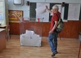 Wybory parlamentarne 2019: Jak głosować za granicą w wyborach do Sejmu i Senatu? Głosowanie korespondencyjne poza Polską jest niemożliwe
