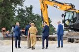 Gmina Kruszwica. Premier Mateusz Morawiecki na budowie mostu w Kobylnikach [zdjęcia]