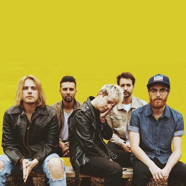 Po zaledwie sześciu latach działalności, znana brytyjska kapela Nothing But Thieves znajduje się w czołówce najlepszych młodych grup koncertowych na świecie.