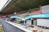 Eredivisie. Trybuna zawaliła się pod świętującymi kibicami Vitesse. Na szczęście obyło się bez ofiar [WIDEO]