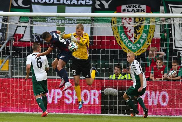 Jakub Wrąbel do tej pory zagrał w 11 meczach w ekstraklasie. Teraz będzie grał na jej zapleczu