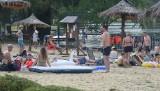 Na zalewem w Toporni koło Przysuchy odpoczywali letnicy. Nie brakowało amatorów kąpieli (ZDJĘCIA)