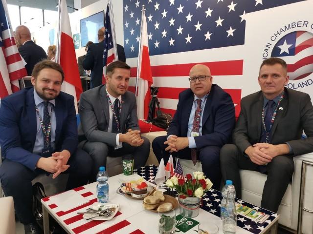 Od lewej: Bartłomiej Orzeł, Kamil Suchański, Tony Housh i Andrzej Lubelski.
