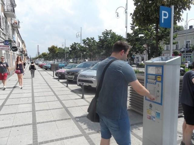 Maksymalna stawka za godzinę parkowania w miastach województwa śląskiego oscyluje w okolicach 2-3 zł