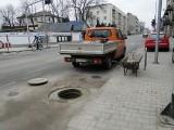 W Radomiu niedługo po remoncie zapadła się studzienka kanalizacyjna na ulicy 25 Czerwca
