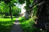 Kraków. Parki za klasztornym murem. Tam łatwo nie wejdziecie, a jest pięknie! [ZDJĘCIA]