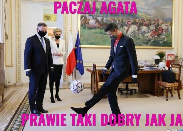 Robert Lewandowski odznaczony przez prezydenta Andrzeja Dudę. Internet odpowiada memamiZobacz kolejne zdjęcia. Przesuwaj zdjęcia w prawo - naciśnij strzałkę lub przycisk NASTĘPNE