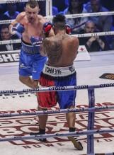 Tomasz Adamek walczył z pękniętymi żebrami!