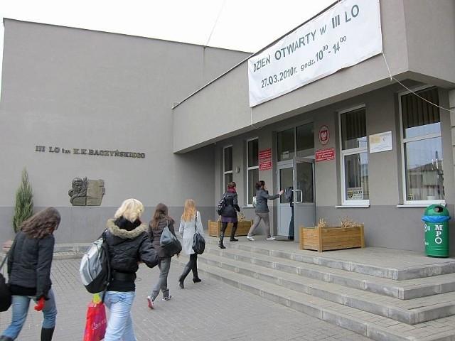 III Liceum Ogólnokształcące w Białymstoku.