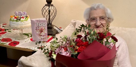 Janina Linek z Łodzi 7 kwietnia 2021 r. obchodziła swoje 100 urodziny.