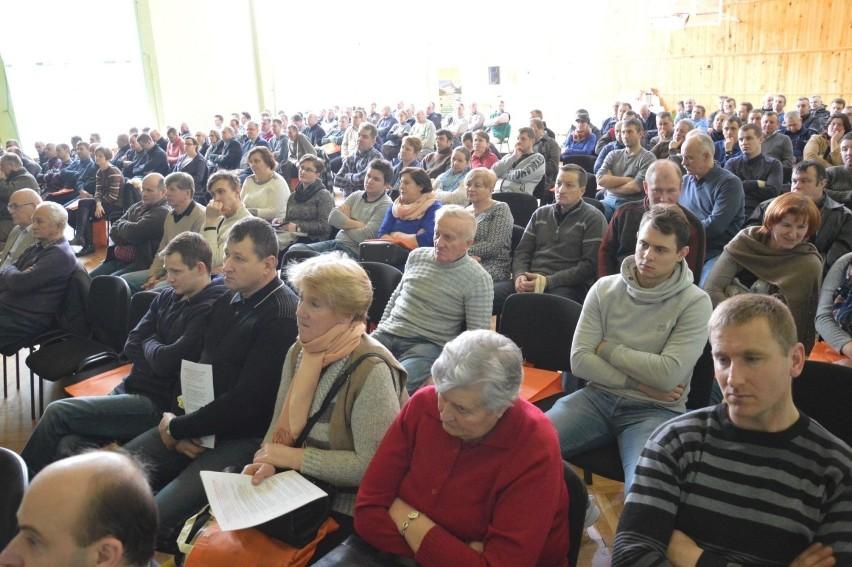 Prawie dwustu rolników przyszło na spotkanie w Łowiczu, na którym mówiono o zapobieganiu i zwalczaniu ASF