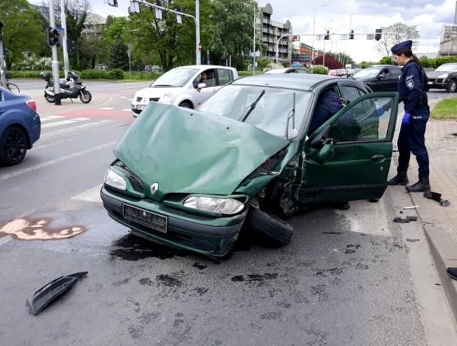 Wypadek na skrzyżowaniu al. Armii Krajowej i Borowskiej