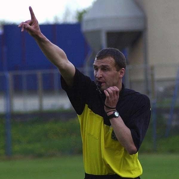 Sędzia Jacek Marek nie popisał się w czasie prowadzenia meczu Iskry Sobów z Sokołem Nisko.