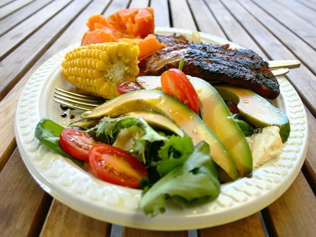 Grillowane mięso i warzywa to duet doskonały.