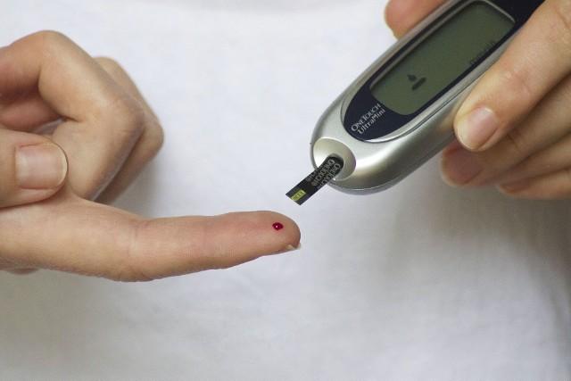Centrum Badań Klinicznych UMB zaprasza osoby chorujące na cukrzycę do udziału w projekcie naukowym polegającym na bezpłatnych badaniach oceniających stan zdrowia.