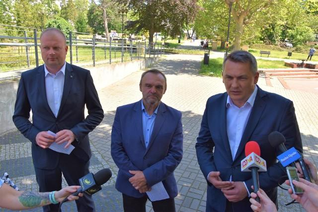 Opolscy posłowie Koalicji Obywatelskiej zapowiadają powstanie serwisu poświęconego obietnicom prezydenta Andrzeja Dudy
