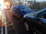 Wypadek czterech samochodów na zjeździe z autostrady. Sprawca uciekł