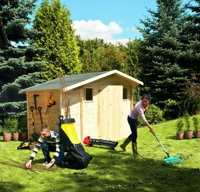Domek narzędziowy drewnianyGotowy domek narzędziowy możemy kupić w markecie budowlanym.